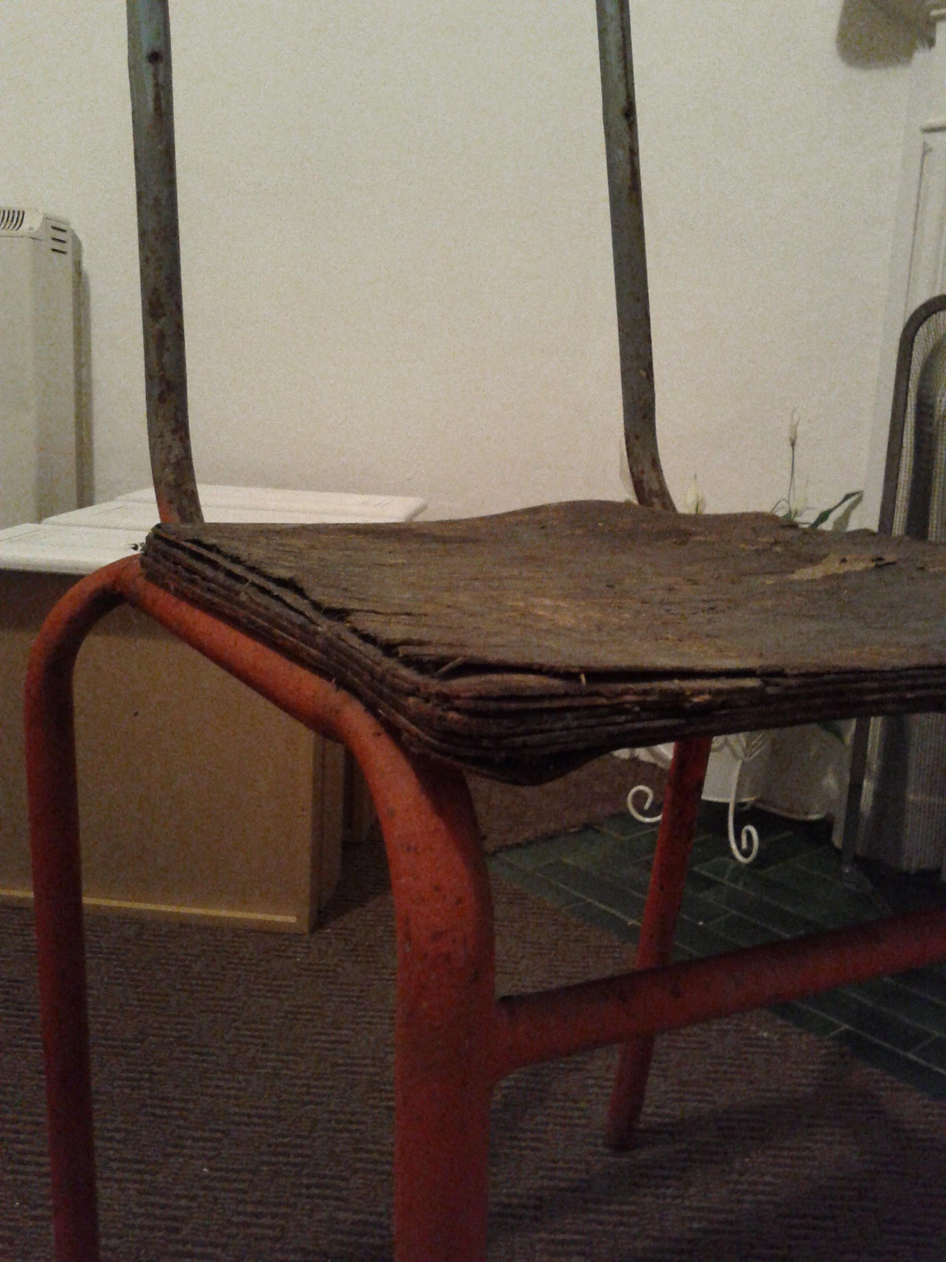 Da sedia a porta asciugamani con l 39 upcycle forecastingirl - Come decapare un mobile gia verniciato di marrone ...