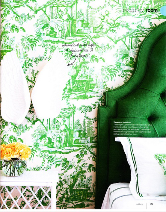 Kelly green emerald headboard wallpaper interior design for Kelly green decor