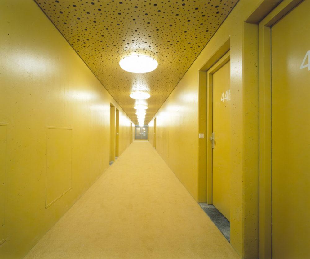 Silodam_Amsterdam_yellow_corridor